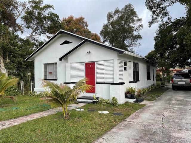 737 Silver Beach Rd, Lake Park, FL 33403 (MLS #A10994991) :: The Riley Smith Group