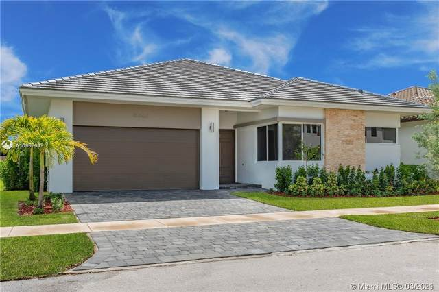 15062 SW 177th Ter, Miami, FL 33187 (MLS #A10997049) :: The Rose Harris Group