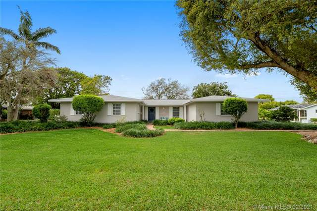 16220 SW 88 Ave Rd, Palmetto Bay, FL 33157 (MLS #A11004103) :: The Teri Arbogast Team at Keller Williams Partners SW