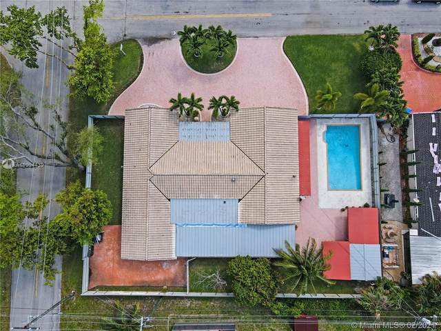 6901 SW 16th St, Pembroke Pines, FL 33023 (MLS #A11004439) :: The Rose Harris Group