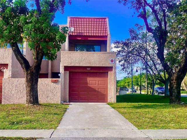 5601 NW 16th St #1, Lauderhill, FL 33313 (MLS #A11005288) :: The Riley Smith Group