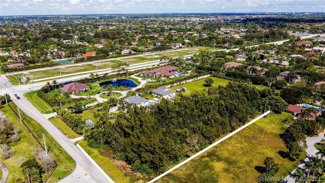 1600 NW 118th Ave, Plantation, FL 33323 (MLS #A11005429) :: The Riley Smith Group