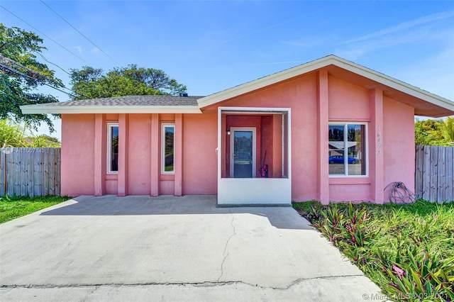 16972 SW 100th Pl, Miami, FL 33157 (MLS #A11007143) :: Castelli Real Estate Services