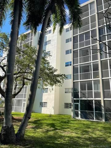 1000 NE 12th Ave #106, Hallandale Beach, FL 33009 (MLS #A11008873) :: Search Broward Real Estate Team
