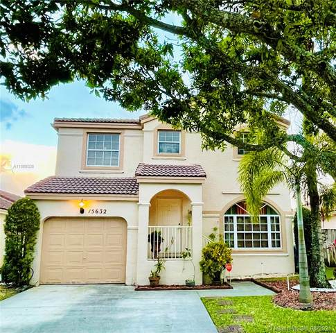 15632 NW 14th St, Pembroke Pines, FL 33028 (MLS #A11009328) :: The Riley Smith Group