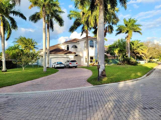1081 Harbor Court, Hollywood, FL 33019 (MLS #A11009551) :: The Paiz Group