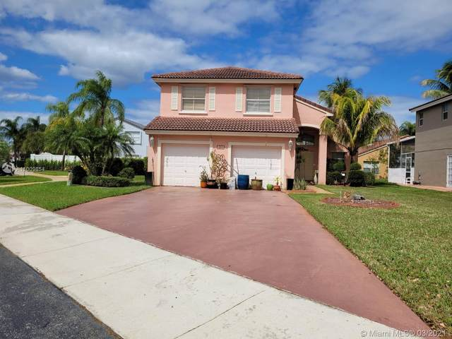 253 NW 166th Ave, Pembroke Pines, FL 33028 (MLS #A11009854) :: The Riley Smith Group