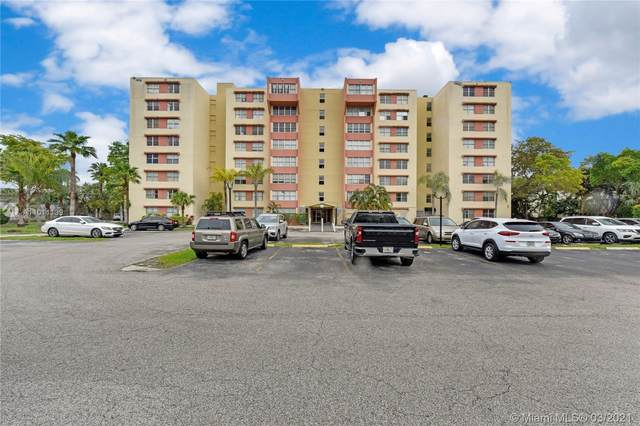 9143 SW 77th Ave B502, Miami, FL 33156 (MLS #A11011139) :: The Riley Smith Group