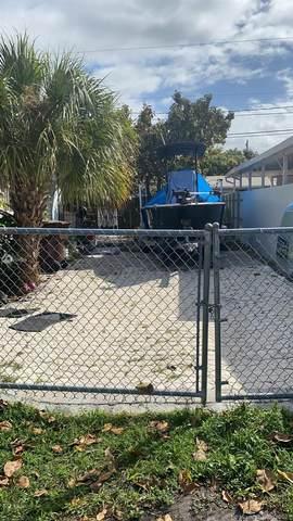 4431 E 8th Ave, Hialeah, FL 33013 (MLS #A11011439) :: The Paiz Group