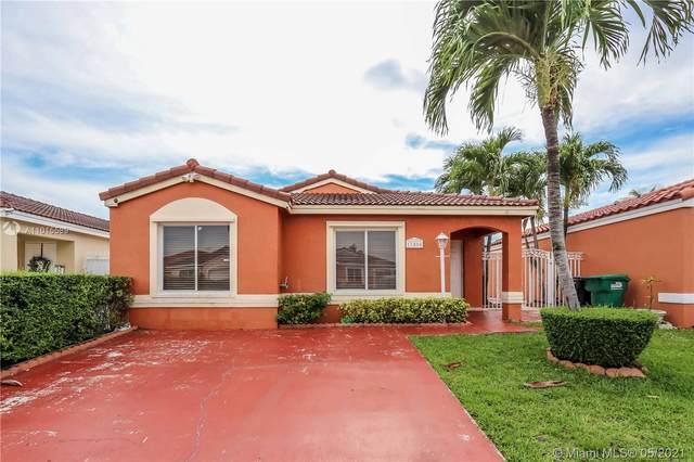 17404 SW 142nd Pl, Miami, FL 33177 (MLS #A11015589) :: Douglas Elliman