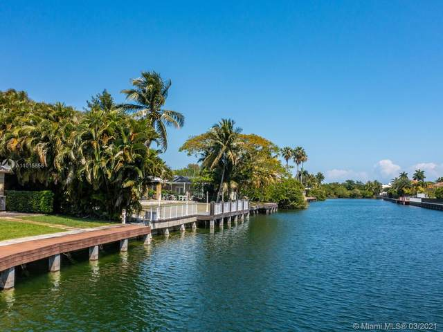 1540 Lugo Ave, Coral Gables, FL 33156 (MLS #A11015856) :: The Paiz Group