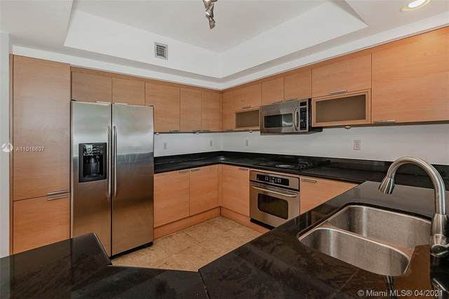 14951 Royal Oaks Ln #902, North Miami, FL 33181 (MLS #A11016637) :: The Howland Group
