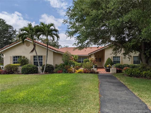 6129 NW 77th Ter, Parkland, FL 33067 (MLS #A11018033) :: The Paiz Group