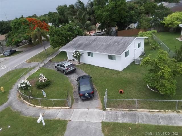 12200 SW 198th St, Miami, FL 33177 (MLS #A11018684) :: The Paiz Group