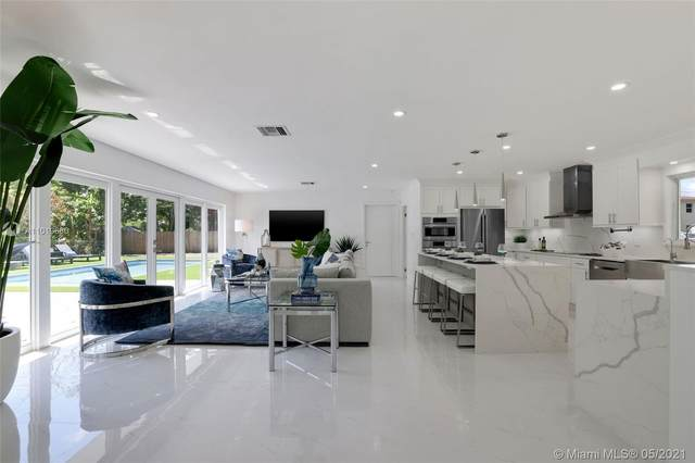 806 NE 92nd St, Miami Shores, FL 33138 (MLS #A11019660) :: The Rose Harris Group