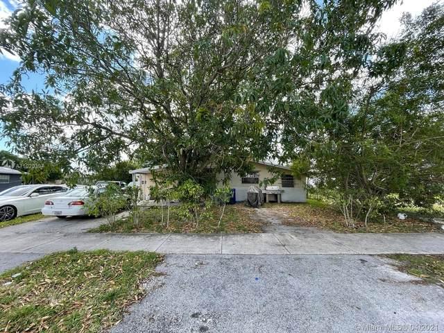 3040 NW 3rd St, Pompano Beach, FL 33069 (MLS #A11020397) :: The Paiz Group