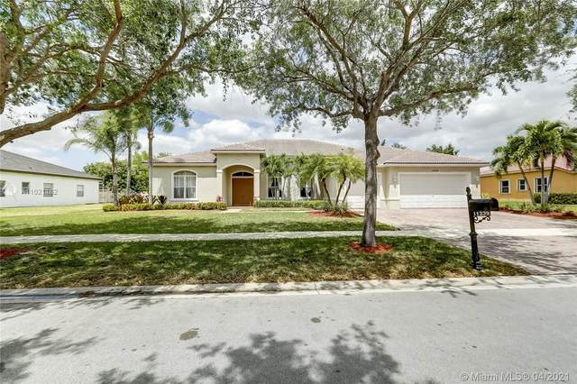 11339 Temple St, Cooper City, FL 33330 (MLS #A11021162) :: Search Broward Real Estate Team