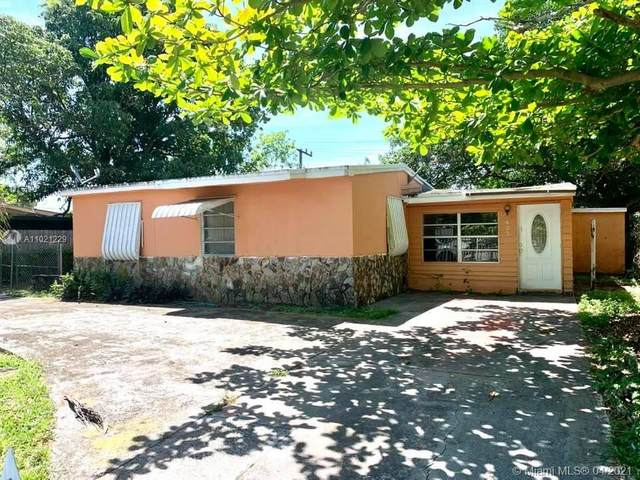4520 SW 38th St, West Park, FL 33023 (MLS #A11021229) :: The Paiz Group