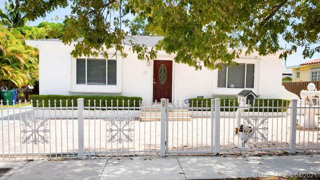 311 SW 56th Ave, Miami, FL 33134 (MLS #A11023522) :: The Riley Smith Group