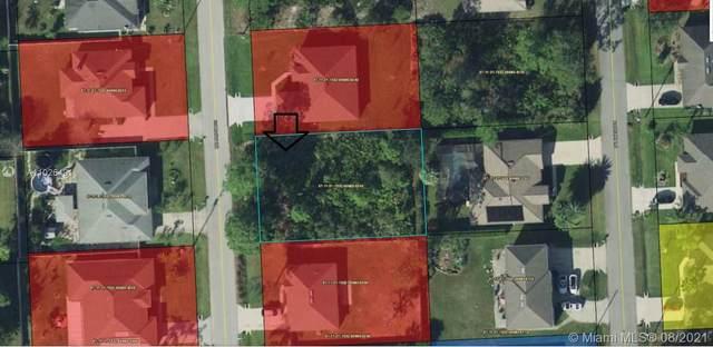 17 Roxboro Dr, Palm Coast, FL 32164 (MLS #A11026491) :: Douglas Elliman