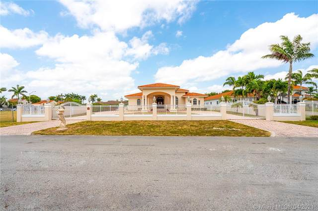 8615 Grand Canal Dr, Miami, FL 33144 (MLS #A11026989) :: The Riley Smith Group