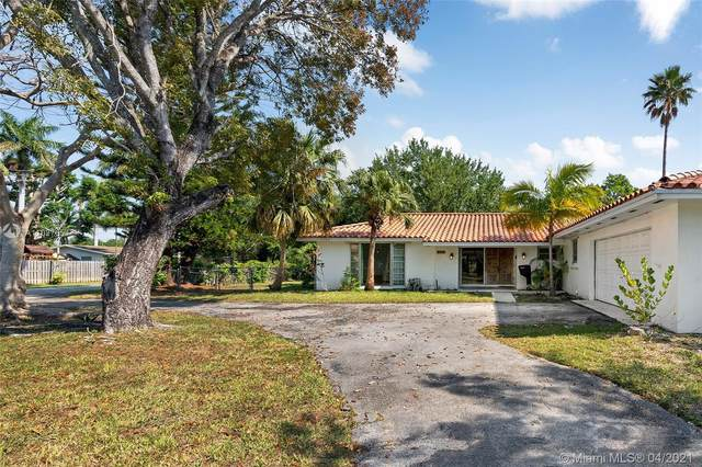8445 SW 158th St, Palmetto Bay, FL 33157 (MLS #A11027654) :: The Riley Smith Group