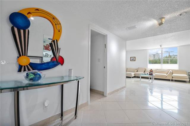 230 174th St Mo3, Sunny Isles Beach, FL 33160 (MLS #A11028135) :: The Teri Arbogast Team at Keller Williams Partners SW