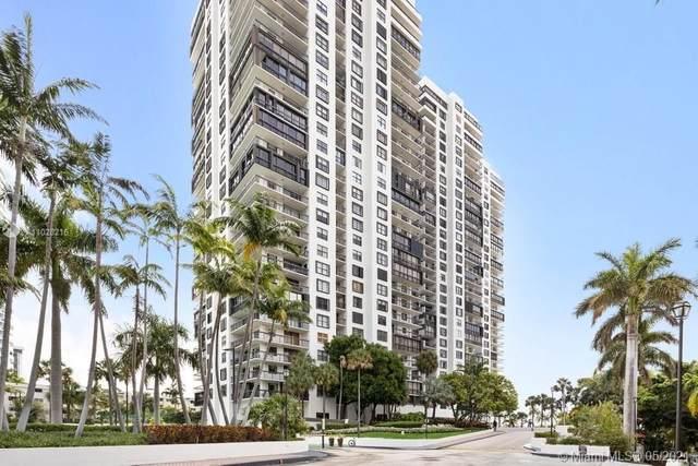 2333 Brickell Ave #1206, Miami, FL 33129 (MLS #A11028216) :: Compass FL LLC