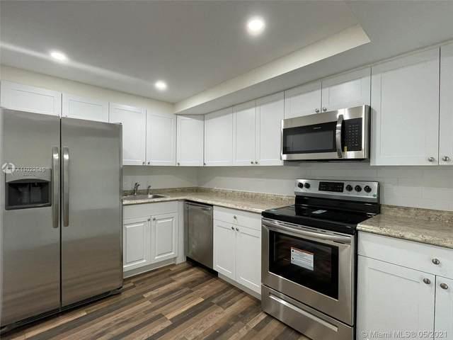 6039 Collins Ave #1036, Miami Beach, FL 33140 (#A11029545) :: Posh Properties