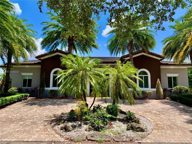 9998 NW 26th St, Doral, FL 33172 (MLS #A11030232) :: The Riley Smith Group