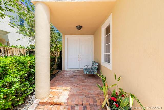 1812 NE 26th Ave, Fort Lauderdale, FL 33305 (MLS #A11030642) :: The Rose Harris Group