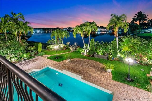 6885 Gleneagle Dr, Miami Lakes, FL 33014 (MLS #A11031943) :: KBiscayne Realty
