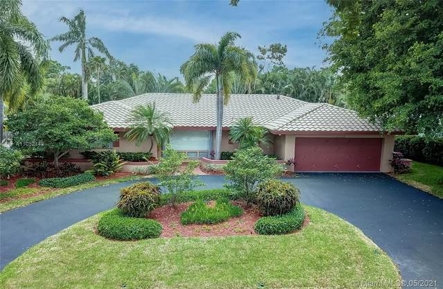 2756 NE 37th Dr, Fort Lauderdale, FL 33308 (#A11032143) :: Posh Properties