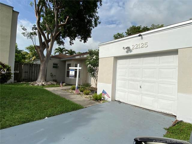 22125 SW 97th Ct, Cutler Bay, FL 33190 (MLS #A11034754) :: The Howland Group
