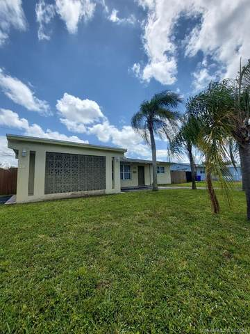 6700 SW 8th St, Pembroke Pines, FL 33023 (MLS #A11035214) :: The Riley Smith Group