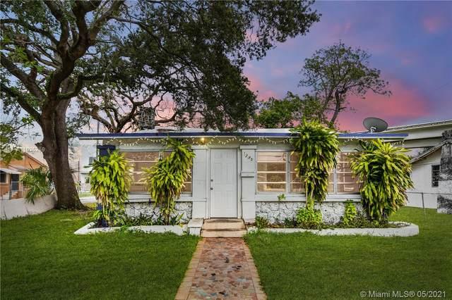 1245 NW 38th St, Miami, FL 33142 (#A11035259) :: Posh Properties