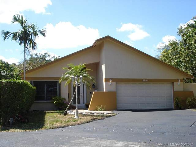 6590 SW 13th St, Plantation, FL 33317 (MLS #A11037392) :: The Teri Arbogast Team at Keller Williams Partners SW