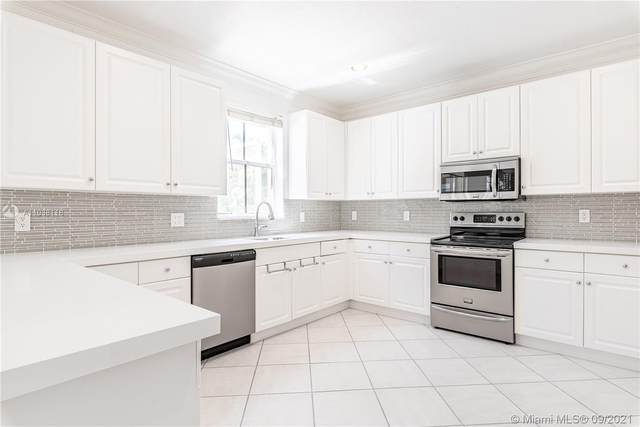 3890 Crestwood Cir, Weston, FL 33331 (#A11038118) :: Posh Properties