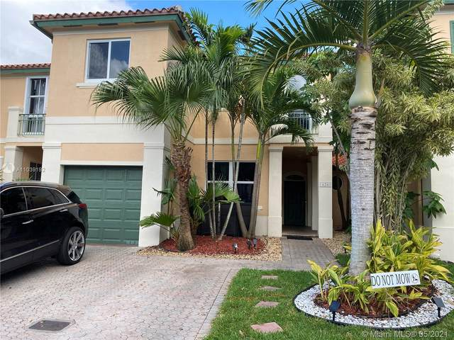 14261 NW 83rd Ave, Miami Lakes, FL 33016 (MLS #A11039192) :: Berkshire Hathaway HomeServices EWM Realty