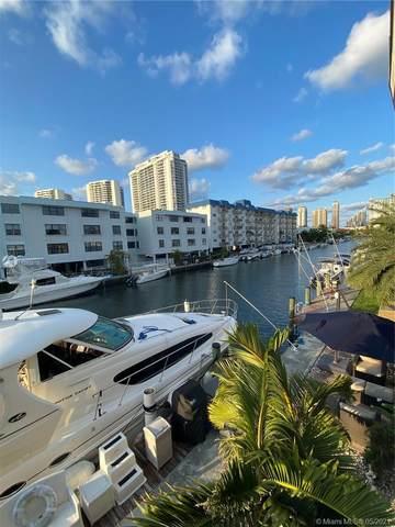 3681 NE 170th St #4, North Miami Beach, FL 33160 (MLS #A11043813) :: The Rose Harris Group