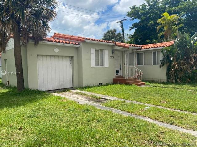 2001 SW 37th Ave, Miami, FL 33145 (MLS #A11044126) :: The Pearl Realty Group