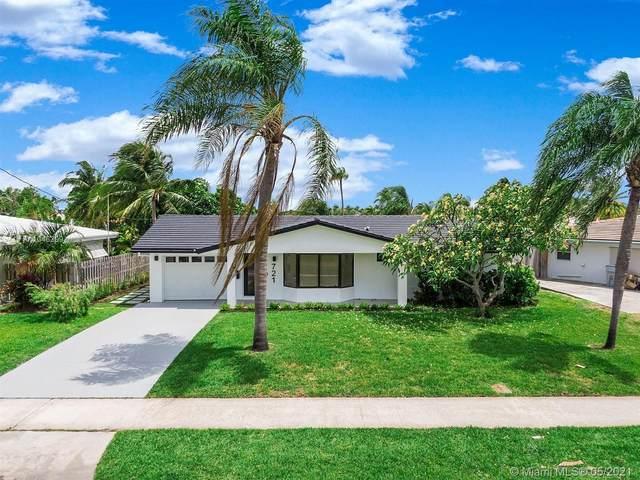 721 SE 5th Ct, Pompano Beach, FL 33060 (MLS #A11046209) :: The Riley Smith Group
