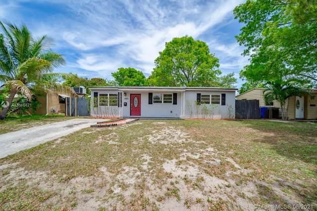 1001 N 72nd Avenue, Hollywood, FL 33024 (MLS #A11046421) :: Berkshire Hathaway HomeServices EWM Realty