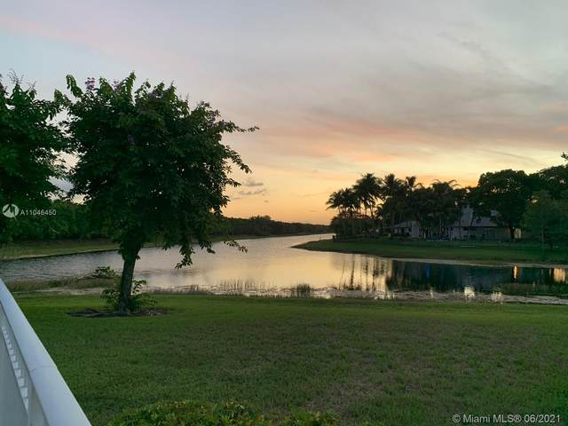 3560 Paddock Rd, Weston, FL 33331 (MLS #A11046450) :: The Paiz Group