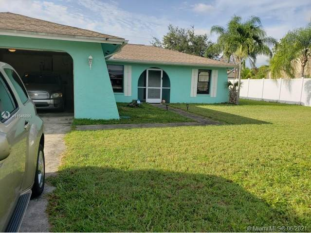 621 SW SW 32ND TER, Cape Coral, FL 33914 (MLS #A11046890) :: The Riley Smith Group