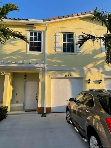4032 NW 11th St, Lauderhill, FL 33313 (MLS #A11047130) :: Team Citron