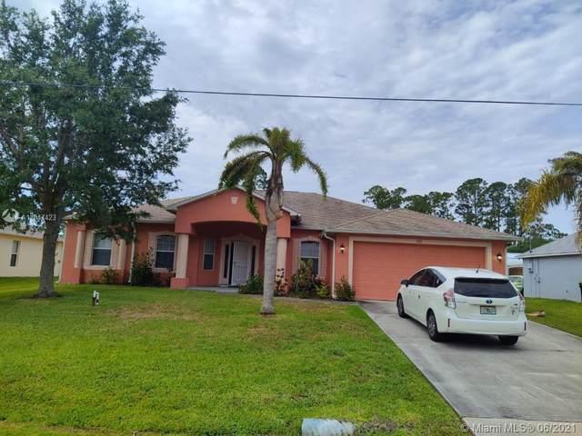 732 NE Americana Blvd, Palm Bay, FL 32907 (MLS #A11047423) :: The Riley Smith Group