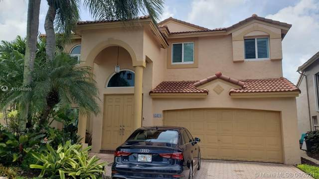15624 SW 16th Ct, Pembroke Pines, FL 33027 (MLS #A11048966) :: Albert Garcia Team