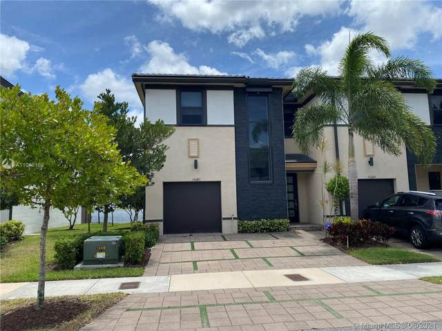 15685 NW 91st Ct, Miami Lakes, FL 33018 (MLS #A11049169) :: Berkshire Hathaway HomeServices EWM Realty