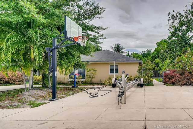 32 NW 169th St, North Miami Beach, FL 33169 (MLS #A11049321) :: GK Realty Group LLC